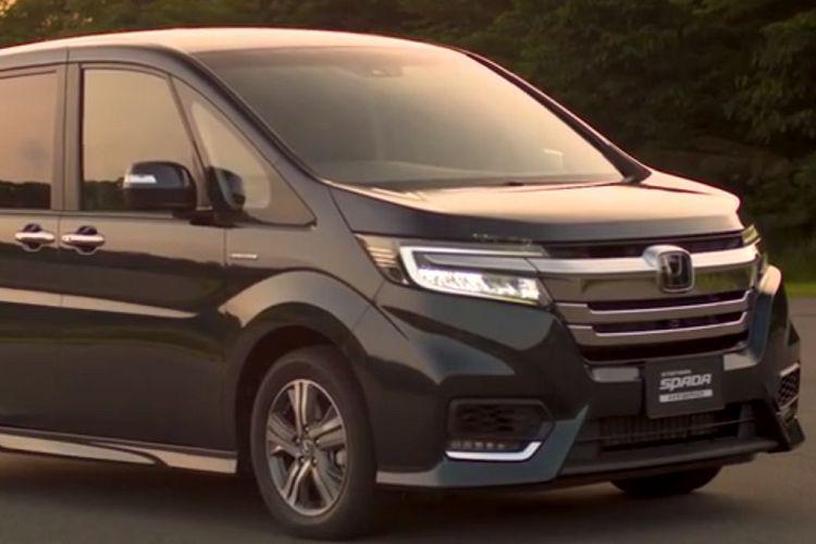 ステップワゴン新型、ガソリン車1.5L、2WDと4WDの年間維持費を比較!
